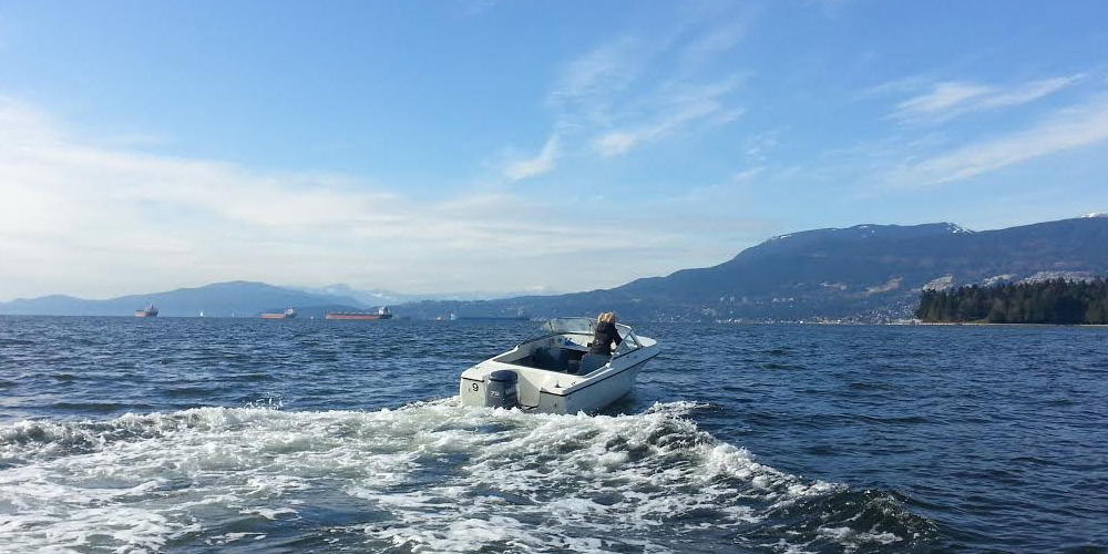 17ft Hourston - Boat Rental Vancouver